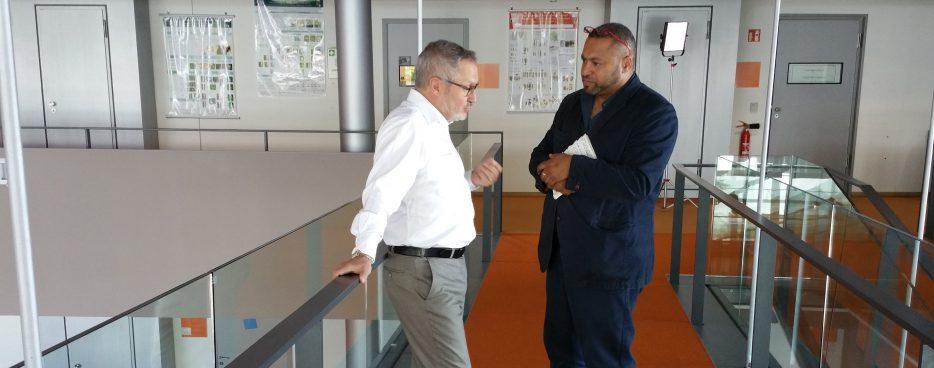 Regisseur John Kantara und Prof. Jean-Jaques Hublin vom Max Planck Institut für Evolutionäre Anthropologie